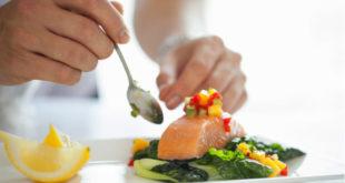 Comer pescado beneficia a pacientes con artritis