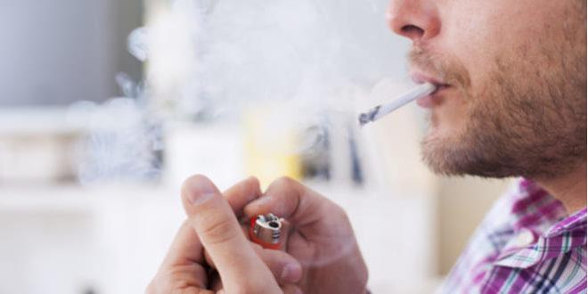 Hombres que fuman tienen más riesgo de padecer artritis reumatoide