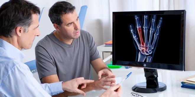 ¿Cómo describir el dolor articular a tu reumatólogo?
