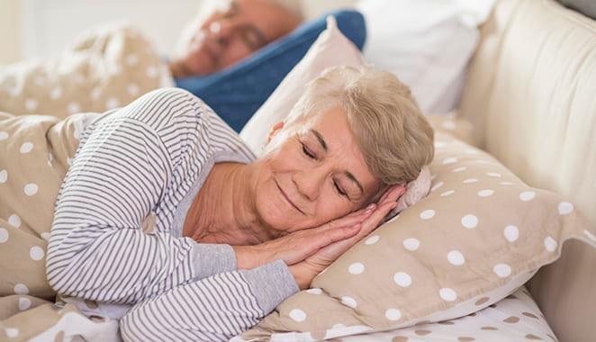 Así puedes dormir mejor si tienes osteoporosis