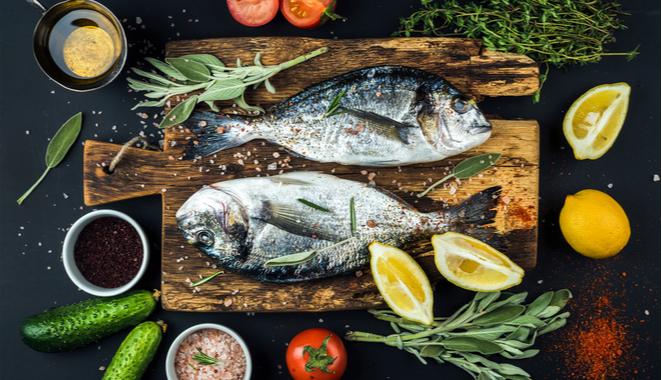 Los beneficios del pescado para la inflamación causada por artritis