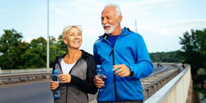 Caminar ayuda a tu condición reumática