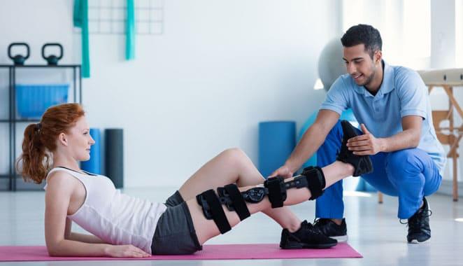 ¿En qué consiste el uso de férulas en pacientes con artritis reumatoide?