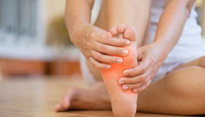 Fibromialgia y su relación con el dolor  en los pies