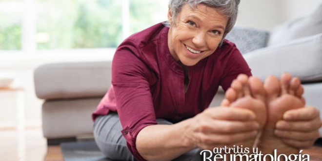 Consejos para el cuidado de los pies en pacientes con enfermedades reumatológicas
