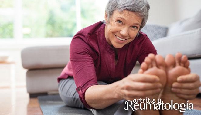 Consejos para el cuidado de los pies en pacientes con enfermedades reumáticas
