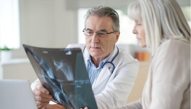 ¿La osteoporosis es una enfermedad hereditaria?