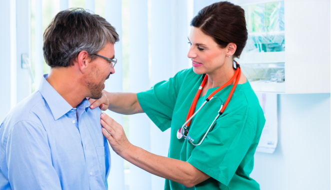 No se recomienda el uso de tratamiento quirúrgico en caso de hombro doloroso