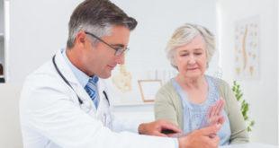 5 preguntas que debes hacer al reumatólogo si tienes artritis reumatoide