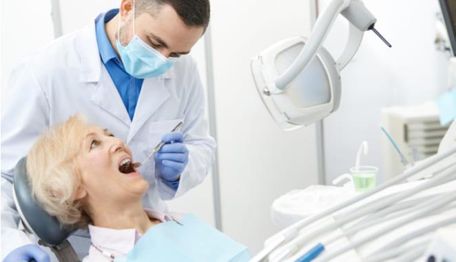 Bacterias en las encías podrían causar alzhéimer y artritis reumatoide