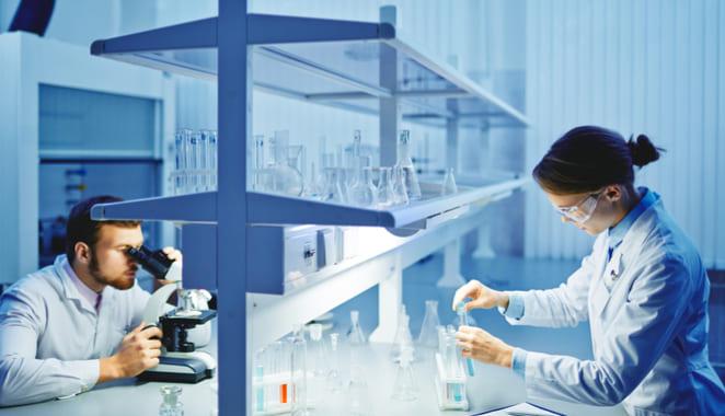 Terapia celular restauraría el sistema inmune en personas con esclerosis múltiple