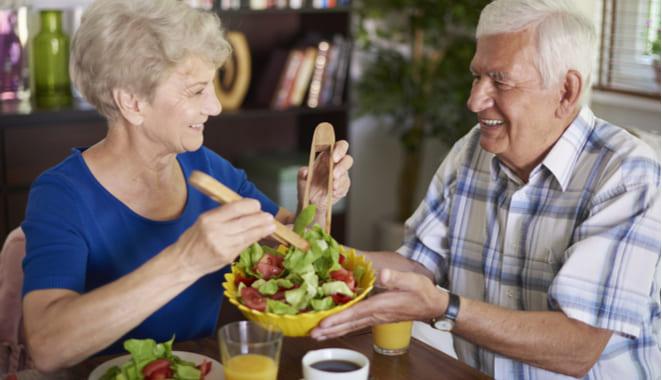 La restricción calórica ayudaría a regular el sistema inmunológico