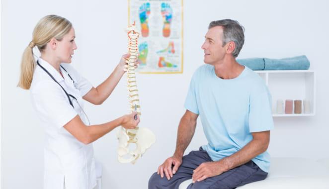 ¿Qué es la hiperlordosis lumbar y por qué se produce?
