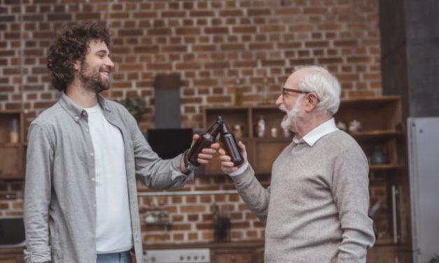 Consumo excesivo de alcohol, una de las causas de osteoporosis en los hombres