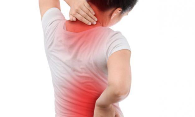 Su dolor de espalda puede ser causado por la lumbalgia y la ciática