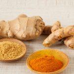 Remedio de jengibre y cúrcuma para tratar la artritis