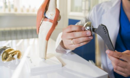 """Dr. Alberto Criado """"el reemplazo de rodilla y cadera está enfocado en la calidad de vida del paciente"""""""
